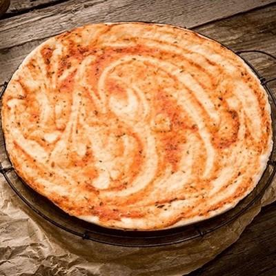 Pizzabodem met saus