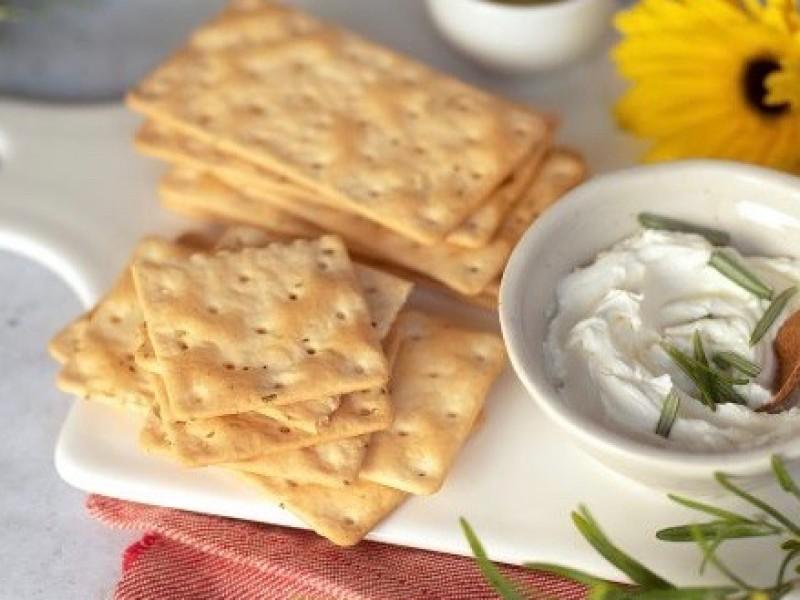 Crackers / box