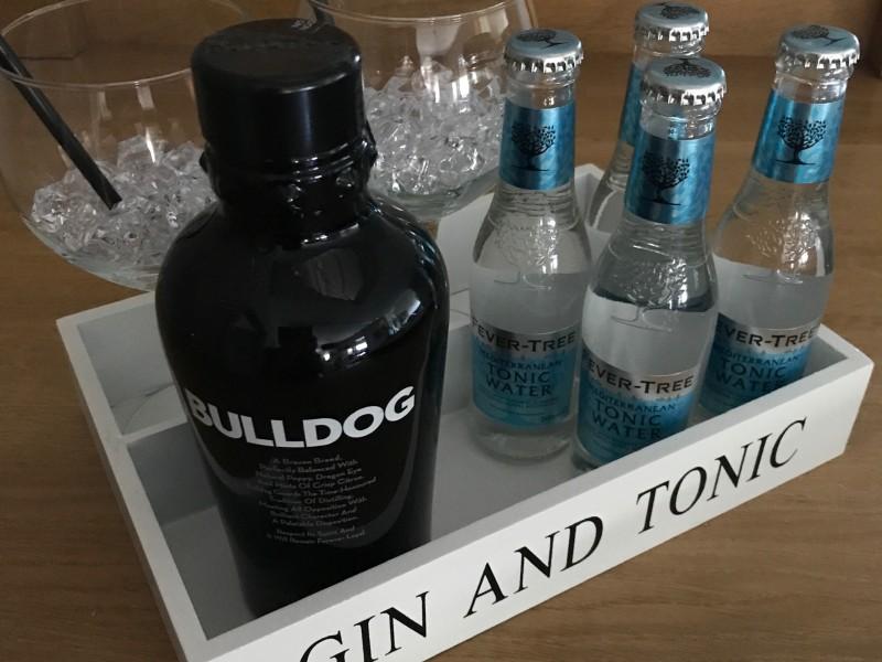Bulldog ginbox